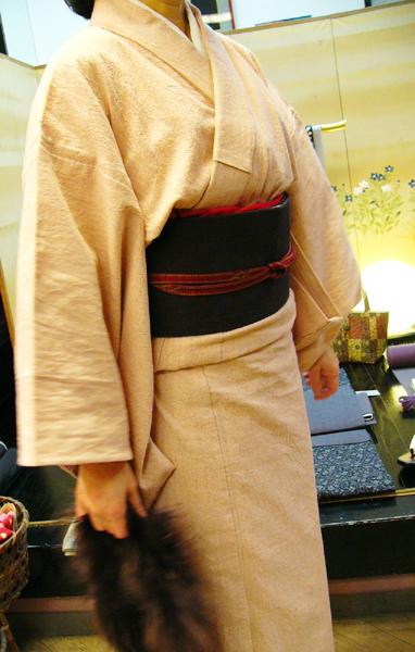先染木綿「無地色紬/赤香あかこう(OL100A)」ご着用のお客様